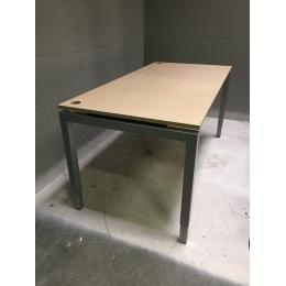 Bureau, in hoogte verstelbaar - Bureaus en Tafels