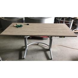 Elektrisch verstelbare tafels - Bureaus en Tafels